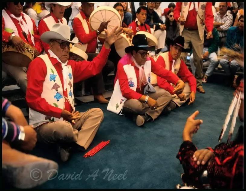 Traditional Native Indian bone games (gaming)
