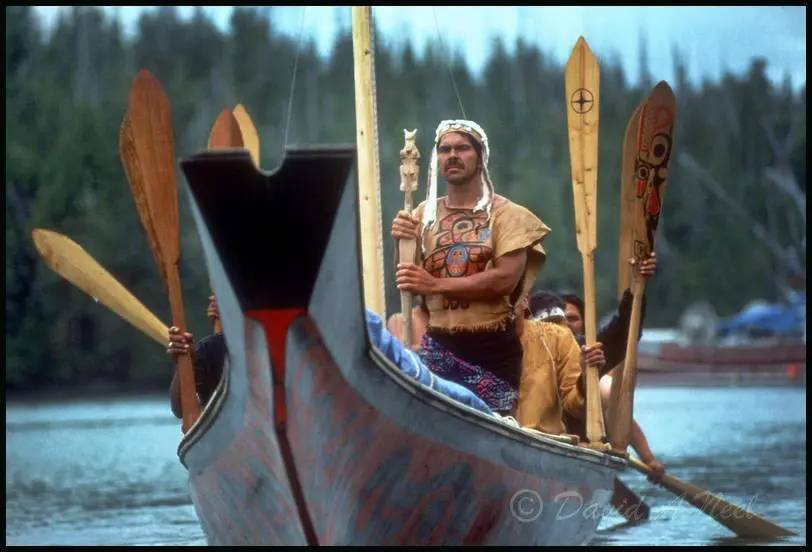 The Lootas, Bill Reid's canoe on a journey.