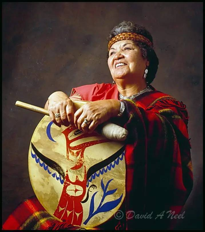 Nanaimo elder, Ellen White with a hand drum.