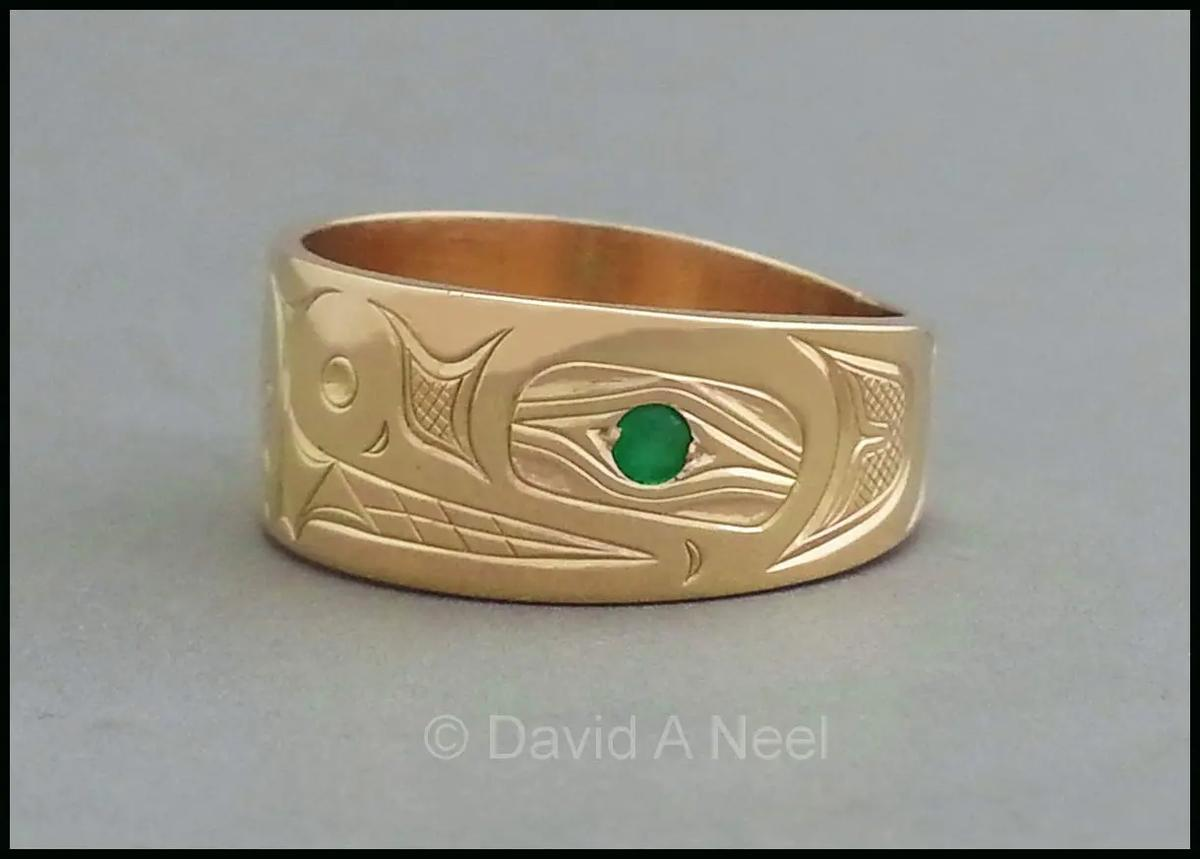 Bear Gold Ring with Emerald