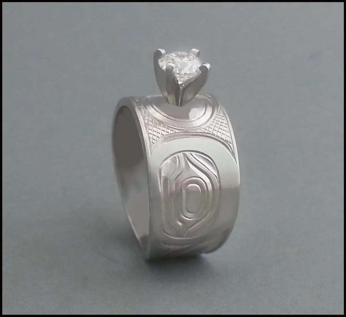 Hummingbird Ring, Platinum & Diamond
