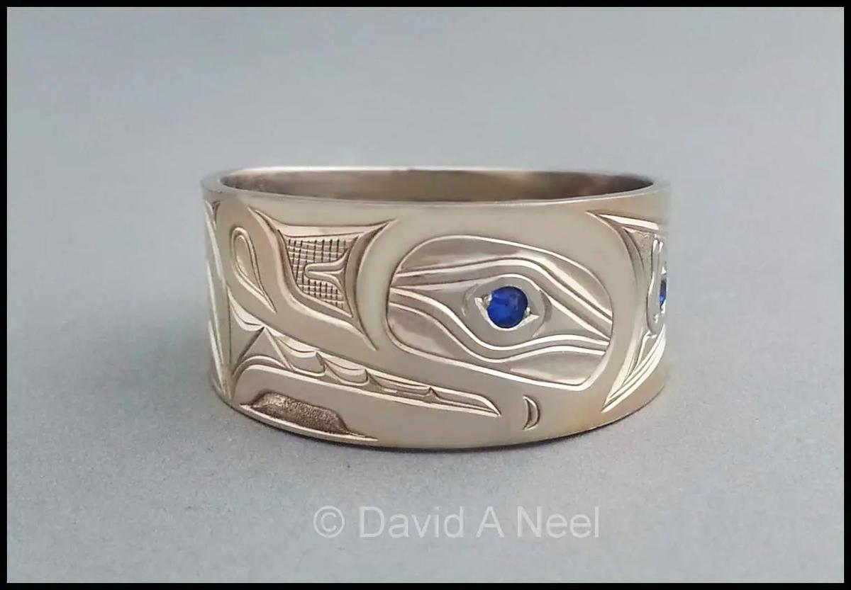 Wolf White Gold & Sapphire Ring