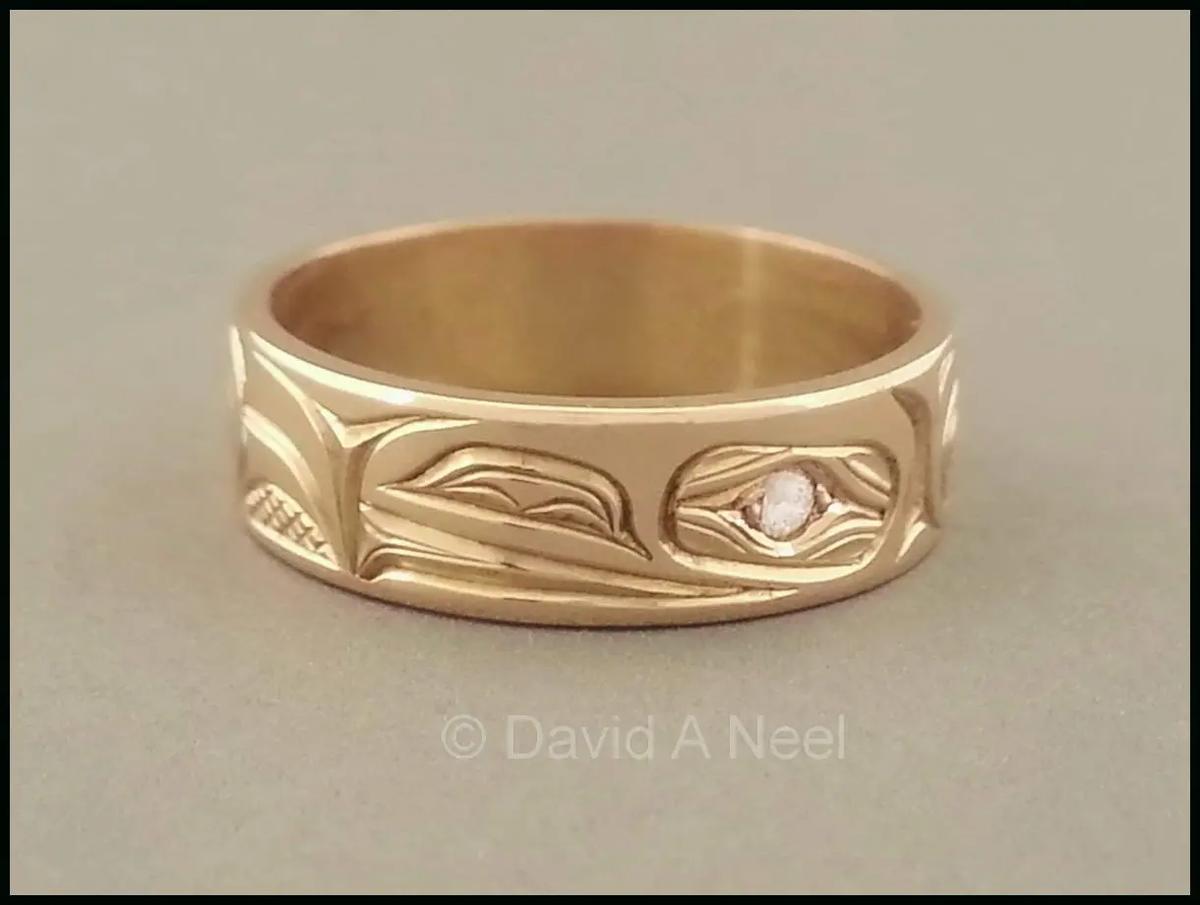 Raven Ring, Gold & Diamond Eye