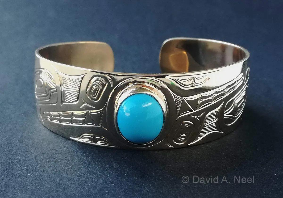 Wolf Gold Bracelet