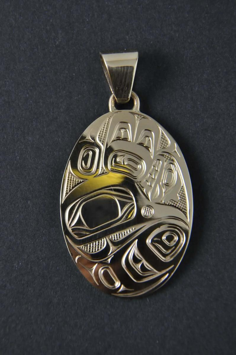 Hummingbird 14K gold pendant