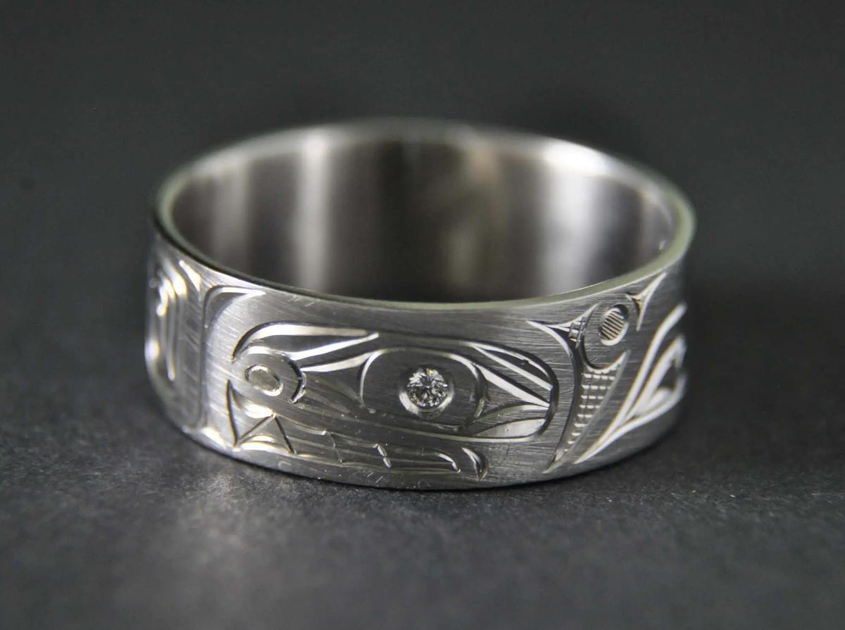Killerwhale Platinum Ring