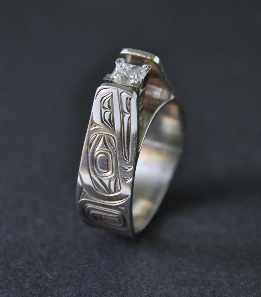 Raven White Gold & Diamond Ring