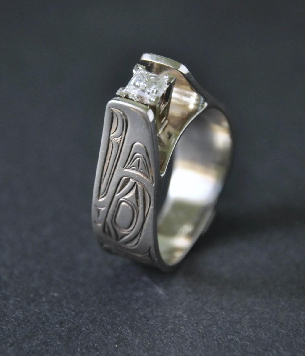 Eagle White Gold & Diamond Ring