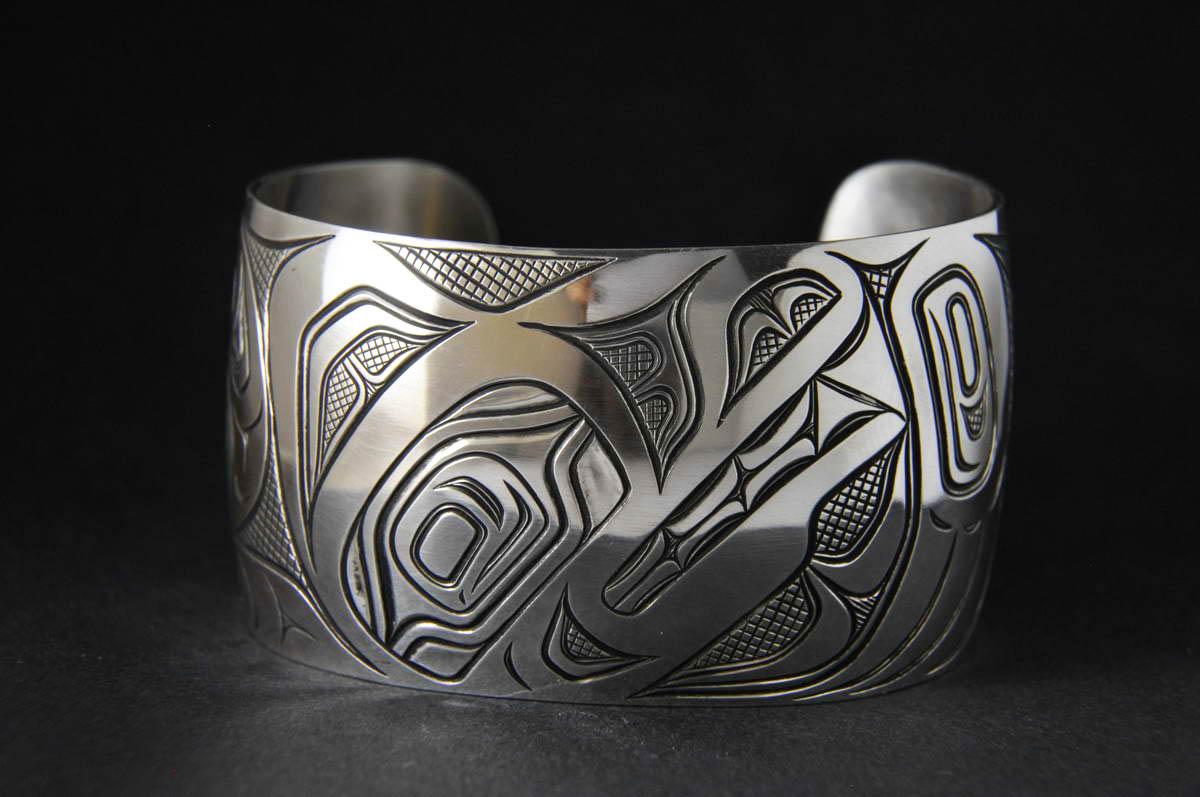 """Wolf 1-1/2"""" Silver Bracelet"""