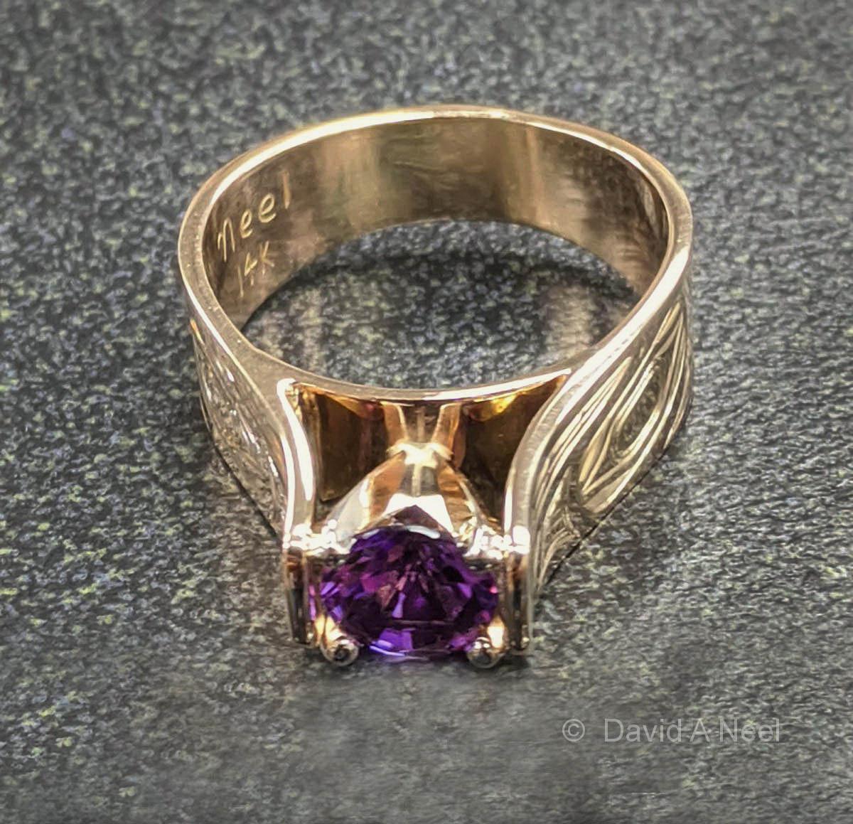 Wolf Ring Amethyst & Gold